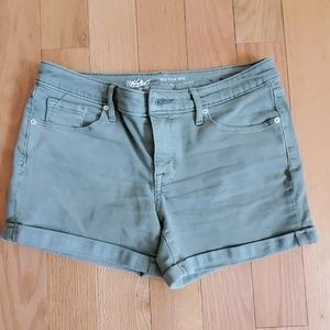 Green mid-rise denim shorts